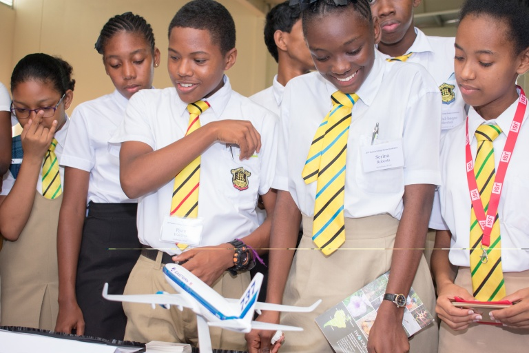Students learn about airline industry